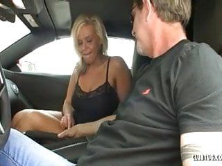 Hawt milf jerking in the car