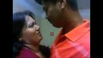 Indian aunty hawt kiss