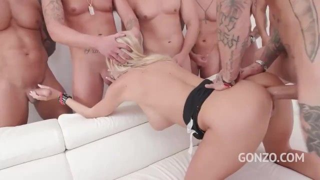 I very wish hard group-sex like in this clip