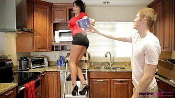 Mamas educate sex - her boyfriend jizzed on her mamas zeppelins