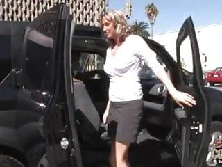 Sexy white mama drilled by darksome in the car