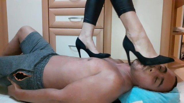 Trampling dark heels