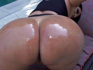Kiara mia large scones booty latin milf
